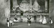 Bar aux Folies-Bergère (de Valois, 1934): His Majesty's Theatre, Melbourne, 1948. Photo © Jean Stewart. RDC/PD/01/71/2