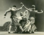 Capriol Suite (Ashton, 1930): Frederick Ashton, Maude Lloyd, Harold Turner, 1936. Photo © Malcolm Dunbar. RDC/PD/01/23/01