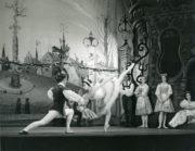 Coppélia (Ivanov/Saint-Léon, 1894/1957): Lucette Aldous as Swanilda, Kenneth Bannerman as Franz in Act III. Photo © J.D. O'Callaghan. RDC/PD/01/169/1