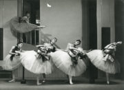 Foyer de Danse (Ashton, 1932): Alicia Markova (on stairs), Suzette Morfield, Betty Cuff, Elisabeth Schooling, Elizabeth Ruxton, Andrée Howard, Prudence Hyman. The stairs to the dressing room were incorporated into the staging at the Mercury Theatre. Photo © Bertram Park. RDC/PD/01/61/1