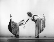 Kuyaiki (Sherwood, 1977): Lucy Burge, Catherine Becque. Photo © Alan Cunliffe. RDC/PD/01/276/2