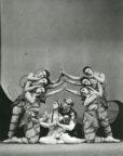 La Péri (Ashton, 1931): (centre) Alicia Markova and Frederick Ashton. Photo © Pollard Crowther. RDC/PD/01/41/01