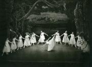 La Sylphide, Act II. Photo © John Blomfield. RDC/PD/01/177/2