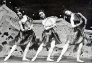 Laiderette (MacMillan, 1954/1955): Sandra Craig, Renee Valent, Marilyn Williams, 1966 revival. Photo © J. Barry Peake. RDC/PD/01/164/2