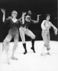 Les Saltimbanques (Scoglio, 1973): Susan Cooper, Keith Hodiak, Sally Owen. Photo © Alan Cunliffe. RDC/PD/01/243/1