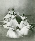 Les Sylphides (Fokine, 1907/1930): Tamara Karsavina, Harold Turner (back row), Lyric Hamersmith, 1930. Photo © Armand Console. RDC/PD/01/30/2