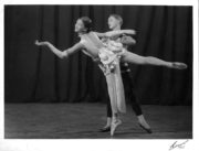Mannequin and her Beau (Rambert/Ashton, 1928): Diana Gould, Harold Turner. Photo © Hana, London. RDC/PD/01/0011