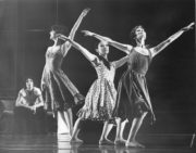 Reflections (North, 1976): Catherine Becque, Sylvia Yamada, Judith Marcuse. Photo © Alan Cunliffe. RDC/PD/01/268/1