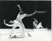 Stop-Over (Scoglio, 1972): Julia Blaikie, Gideon Avrahami, Christopher Bruce, 1972. Photo © Alan Cunliffe. RDC/PD/01/235/1