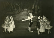 Swan Lake, Act II (Ivanov, 1895/1937): Sally Gilmour, Walter Gore (centre), 1937. Photo Frank H. Sharman © Royal Opera House Collections. RDC/PD/01/92/1