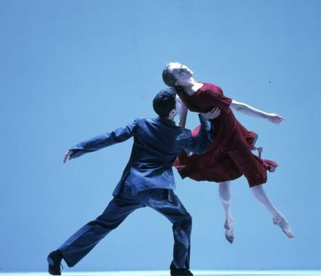 http://www.rambert.org.uk/wp-content/uploads/2015/03/Ghost-Dances-c-Anthony-Crickmay-3-465x400.jpg