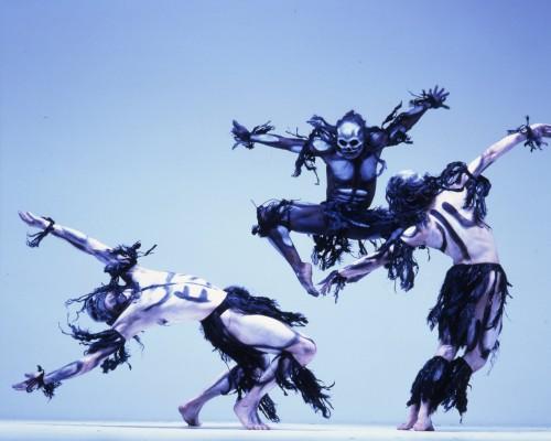 http://www.rambert.org.uk/wp-content/uploads/2015/03/Ghost-Dances-c-Anthony-Crickmay-4-500x400.jpg